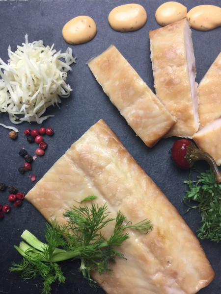 Filet vom Sibirischen Stör geräuchert | ohne Haut & Gräten | mindestens 200g