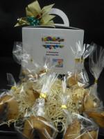 11 Happy Birthday Glückskekse + Geschenkbox + Schleife + Kerze + persönlicher Gruß