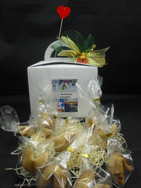 11 Glückskekse für Verliebte + Geschenkbox + Schleife